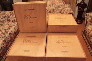 διακοσμητικά και διάφορα χειροποίητα είδη - decorative and various handmade crafts - handicraftcyprus.com - όλα τα είδη χειροτεχνημάτων του εργαστηρίου μας. χειροποίητα δώρα, τάβλια με σκάλισμα και πυρογραφία, σκάκια σκαλιστά, ξύλινα ρολόγια με σκάλισμα, παιδικά κρεμμασταράκια με παιδικούς ήρωες, ξύλινες φιγούρες και σχήματα, σχέδιο με πυρογράφο σε νεροκολοκύθες, μπομπονιέρες βάφτισης, μπομπονιέρες γάμου γάμων, επιχειρηματικά δώρα, ξεχωριστά δώρα επιχειρήσεων, παλαίωση φωτογραφίας, μπαούλα σκαλιστά, κρεμμασταράκια τοίχου για κλειδιά, κρεμμαστάρια ρούχων σκαλιστά, σκαλιστές κορνίζες, χειροποίητοι καθρέφτες με σκάλισμα, εικόνες αγίων με σκάλισμα, παλαιωμένες εικόνες αγίων, διακοσμητικά είδη χειροποίητα, αξεσουάρ γραφείου, σχέδια σε ξύλο, ξυλογλυπτική, παλαίωση εικόνων, αγιογραφίες, πυρογραφία, χαλκογραφία, κορνίζες, καθρέφτες, χειροποίητα, βάφτιση, γάμος, επέτειος, Πάφος, Λευκωσία, Λεμεσός, Λάρνακα.