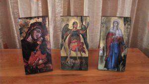 παλαίωση εικόνας αγίου σε ξύλο - aged religious icons on wood - handicraftcyprus.com - όλα τα είδη χειροτεχνημάτων του εργαστηρίου μας. χειροποίητα δώρα, τάβλια με σκάλισμα και πυρογραφία, σκάκια σκαλιστά, ξύλινα ρολόγια με σκάλισμα, παιδικά κρεμμασταράκια με παιδικούς ήρωες, ξύλινες φιγούρες και σχήματα, σχέδιο με πυρογράφο σε νεροκολοκύθες, μπομπονιέρες βάφτισης, μπομπονιέρες γάμου γάμων, επιχειρηματικά δώρα, ξεχωριστά δώρα επιχειρήσεων, παλαίωση φωτογραφίας, μπαούλα σκαλιστά, κρεμμασταράκια τοίχου για κλειδιά, κρεμμαστάρια ρούχων σκαλιστά, σκαλιστές κορνίζες, χειροποίητοι καθρέφτες με σκάλισμα, εικόνες αγίων με σκάλισμα, παλαιωμένες εικόνες αγίων, διακοσμητικά είδη χειροποίητα, αξεσουάρ γραφείου, σχέδια σε ξύλο, ξυλογλυπτική, παλαίωση εικόνων, αγιογραφίες, πυρογραφία, χαλκογραφία, κορνίζες, καθρέφτες, χειροποίητα, βάφτιση, γάμος, επέτειος, Πάφος, Λευκωσία, Λεμεσός, Λάρνακα.