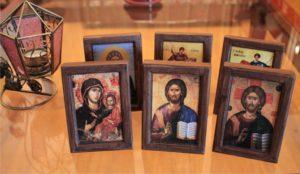 εικόνες αγίων σκαλιστές - woodcarved saints icons - handicraftcyprus.com - όλα τα είδη χειροτεχνημάτων του εργαστηρίου μας. χειροποίητα δώρα, τάβλια με σκάλισμα και πυρογραφία, σκάκια σκαλιστά, ξύλινα ρολόγια με σκάλισμα, παιδικά κρεμμασταράκια με παιδικούς ήρωες, ξύλινες φιγούρες και σχήματα, σχέδιο με πυρογράφο σε νεροκολοκύθες, μπομπονιέρες βάφτισης, μπομπονιέρες γάμου γάμων, επιχειρηματικά δώρα, ξεχωριστά δώρα επιχειρήσεων, παλαίωση φωτογραφίας, μπαούλα σκαλιστά, κρεμμασταράκια τοίχου για κλειδιά, κρεμμαστάρια ρούχων σκαλιστά, σκαλιστές κορνίζες, χειροποίητοι καθρέφτες με σκάλισμα, εικόνες αγίων με σκάλισμα, παλαιωμένες εικόνες αγίων, διακοσμητικά είδη χειροποίητα, αξεσουάρ γραφείου, σχέδια σε ξύλο, ξυλογλυπτική, παλαίωση εικόνων, αγιογραφίες, πυρογραφία, χαλκογραφία, κορνίζες, καθρέφτες, χειροποίητα, βάφτιση, γάμος, επέτειος, Πάφος, Λευκωσία, Λεμεσός, Λάρνακα.