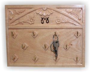 κρεμμάστρα τοίχου για κλειδιά - handicraftcyprus.com - όλα τα είδη χειροτεχνημάτων του εργαστηρίου μας. χειροποίητα δώρα, τάβλια με σκάλισμα και πυρογραφία, σκάκια σκαλιστά, ξύλινα ρολόγια με σκάλισμα, παιδικά κρεμμασταράκια με παιδικούς ήρωες, ξύλινες φιγούρες και σχήματα, σχέδιο με πυρογράφο σε νεροκολοκύθες, μπομπονιέρες βάφτισης, μπομπονιέρες γάμου γάμων, επιχειρηματικά δώρα, ξεχωριστά δώρα επιχειρήσεων, παλαίωση φωτογραφίας, μπαούλα σκαλιστά, κρεμμασταράκια τοίχου για κλειδιά, κρεμμαστάρια ρούχων σκαλιστά, σκαλιστές κορνίζες, χειροποίητοι καθρέφτες με σκάλισμα, εικόνες αγίων με σκάλισμα, παλαιωμένες εικόνες αγίων, διακοσμητικά είδη χειροποίητα, αξεσουάρ γραφείου, σχέδια σε ξύλο, ξυλογλυπτική, παλαίωση εικόνων, αγιογραφίες, πυρογραφία, χαλκογραφία, κορνίζες, καθρέφτες, χειροποίητα, βάφτιση, γάμος, επέτειος, Πάφος, Λευκωσία, Λεμεσός, Λάρνακα.