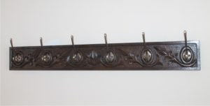 κρεμμάστρα τοίχου για ρούχα / παλτά- handicraftcyprus.com - όλα τα είδη χειροτεχνημάτων του εργαστηρίου μας. χειροποίητα δώρα, τάβλια με σκάλισμα και πυρογραφία, σκάκια σκαλιστά, ξύλινα ρολόγια με σκάλισμα, παιδικά κρεμμασταράκια με παιδικούς ήρωες, ξύλινες φιγούρες και σχήματα, σχέδιο με πυρογράφο σε νεροκολοκύθες, μπομπονιέρες βάφτισης, μπομπονιέρες γάμου γάμων, επιχειρηματικά δώρα, ξεχωριστά δώρα επιχειρήσεων, παλαίωση φωτογραφίας, μπαούλα σκαλιστά, κρεμμασταράκια τοίχου για κλειδιά, κρεμμαστάρια ρούχων σκαλιστά, σκαλιστές κορνίζες, χειροποίητοι καθρέφτες με σκάλισμα, εικόνες αγίων με σκάλισμα, παλαιωμένες εικόνες αγίων, διακοσμητικά είδη χειροποίητα, αξεσουάρ γραφείου, σχέδια σε ξύλο, ξυλογλυπτική, παλαίωση εικόνων, αγιογραφίες, πυρογραφία, χαλκογραφία, κορνίζες, καθρέφτες, χειροποίητα, βάφτιση, γάμος, επέτειος, Πάφος, Λευκωσία, Λεμεσός, Λάρνακα.