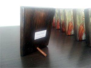 άγιος ζαχαρίας - παλαίωση εικόνας αγίου - χειροποίητες μπομπονιέρες - handmade bonbonniere - handicraftcyprus.com - όλα τα είδη χειροτεχνημάτων του εργαστηρίου μας. χειροποίητα δώρα, τάβλια με σκάλισμα και πυρογραφία, σκάκια σκαλιστά, ξύλινα ρολόγια με σκάλισμα, παιδικά κρεμμασταράκια με παιδικούς ήρωες, ξύλινες φιγούρες και σχήματα, σχέδιο με πυρογράφο σε νεροκολοκύθες, μπομπονιέρες βάφτισης, μπομπονιέρες γάμου γάμων, επιχειρηματικά δώρα, ξεχωριστά δώρα επιχειρήσεων, παλαίωση φωτογραφίας, μπαούλα σκαλιστά, κρεμμασταράκια τοίχου για κλειδιά, κρεμμαστάρια ρούχων σκαλιστά, σκαλιστές κορνίζες, χειροποίητοι καθρέφτες με σκάλισμα, εικόνες αγίων με σκάλισμα, παλαιωμένες εικόνες αγίων, διακοσμητικά είδη χειροποίητα, αξεσουάρ γραφείου, σχέδια σε ξύλο, ξυλογλυπτική, παλαίωση εικόνων, αγιογραφίες, πυρογραφία, χαλκογραφία, κορνίζες, καθρέφτες, χειροποίητα, βάφτιση, γάμος, επέτειος, Πάφος, Λευκωσία, Λεμεσός, Λάρνακα.