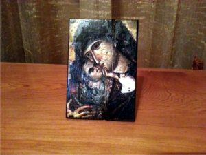 παναγία γλυκοφιλούσα - παλαίωση εικόνας αγίου - χειροποίητες μπομπονιέρες - handmade bonbonniere - handicraftcyprus.com - όλα τα είδη χειροτεχνημάτων του εργαστηρίου μας. χειροποίητα δώρα, τάβλια με σκάλισμα και πυρογραφία, σκάκια σκαλιστά, ξύλινα ρολόγια με σκάλισμα, παιδικά κρεμμασταράκια με παιδικούς ήρωες, ξύλινες φιγούρες και σχήματα, σχέδιο με πυρογράφο σε νεροκολοκύθες, μπομπονιέρες βάφτισης, μπομπονιέρες γάμου γάμων, επιχειρηματικά δώρα, ξεχωριστά δώρα επιχειρήσεων, παλαίωση φωτογραφίας, μπαούλα σκαλιστά, κρεμμασταράκια τοίχου για κλειδιά, κρεμμαστάρια ρούχων σκαλιστά, σκαλιστές κορνίζες, χειροποίητοι καθρέφτες με σκάλισμα, εικόνες αγίων με σκάλισμα, παλαιωμένες εικόνες αγίων, διακοσμητικά είδη χειροποίητα, αξεσουάρ γραφείου, σχέδια σε ξύλο, ξυλογλυπτική, παλαίωση εικόνων, αγιογραφίες, πυρογραφία, χαλκογραφία, κορνίζες, καθρέφτες, χειροποίητα, βάφτιση, γάμος, επέτειος, Πάφος, Λευκωσία, Λεμεσός, Λάρνακα.