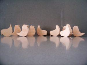 πουλάκι φιγούρα - χειροποίητες μπομπονιέρες - handmade bonbonniere - handicraftcyprus.com - όλα τα είδη χειροτεχνημάτων του εργαστηρίου μας. χειροποίητα δώρα, τάβλια με σκάλισμα και πυρογραφία, σκάκια σκαλιστά, ξύλινα ρολόγια με σκάλισμα, παιδικά κρεμμασταράκια με παιδικούς ήρωες, ξύλινες φιγούρες και σχήματα, σχέδιο με πυρογράφο σε νεροκολοκύθες, μπομπονιέρες βάφτισης, μπομπονιέρες γάμου γάμων, επιχειρηματικά δώρα, ξεχωριστά δώρα επιχειρήσεων, παλαίωση φωτογραφίας, μπαούλα σκαλιστά, κρεμμασταράκια τοίχου για κλειδιά, κρεμμαστάρια ρούχων σκαλιστά, σκαλιστές κορνίζες, χειροποίητοι καθρέφτες με σκάλισμα, εικόνες αγίων με σκάλισμα, παλαιωμένες εικόνες αγίων, διακοσμητικά είδη χειροποίητα, αξεσουάρ γραφείου, σχέδια σε ξύλο, ξυλογλυπτική, παλαίωση εικόνων, αγιογραφίες, πυρογραφία, χαλκογραφία, κορνίζες, καθρέφτες, χειροποίητα, βάφτιση, γάμος, επέτειος, Πάφος, Λευκωσία, Λεμεσός, Λάρνακα.