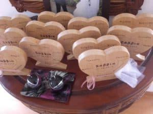 καρδία φιγούρα με ονόματα - ξύλινες φιγούρες και σχέδια - handicraftcyprus.com - όλα τα είδη χειροτεχνημάτων του εργαστηρίου μας. χειροποίητα δώρα, τάβλια με σκάλισμα και πυρογραφία, σκάκια σκαλιστά, ξύλινα ρολόγια με σκάλισμα, παιδικά κρεμμασταράκια με παιδικούς ήρωες, ξύλινες φιγούρες και σχήματα, σχέδιο με πυρογράφο σε νεροκολοκύθες, μπομπονιέρες βάφτισης, μπομπονιέρες γάμου γάμων, επιχειρηματικά δώρα, ξεχωριστά δώρα επιχειρήσεων, παλαίωση φωτογραφίας, μπαούλα σκαλιστά, κρεμμασταράκια τοίχου για κλειδιά, κρεμμαστάρια ρούχων σκαλιστά, σκαλιστές κορνίζες, χειροποίητοι καθρέφτες με σκάλισμα, εικόνες αγίων με σκάλισμα, παλαιωμένες εικόνες αγίων, διακοσμητικά είδη χειροποίητα, αξεσουάρ γραφείου, σχέδια σε ξύλο, ξυλογλυπτική, παλαίωση εικόνων, αγιογραφίες, πυρογραφία, χαλκογραφία, κορνίζες, καθρέφτες, χειροποίητα, βάφτιση, γάμος, επέτειος, Πάφος, Λευκωσία, Λεμεσός, Λάρνακα.