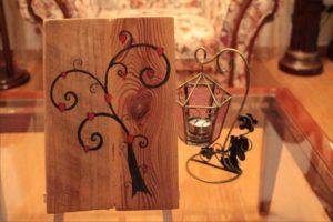 tree of love δέντρο αγάπης - σχέδιο με πυρογραφία - ξύλινες φιγούρες και σχέδια - handicraftcyprus.com - όλα τα είδη χειροτεχνημάτων του εργαστηρίου μας. χειροποίητα δώρα, τάβλια με σκάλισμα και πυρογραφία, σκάκια σκαλιστά, ξύλινα ρολόγια με σκάλισμα, παιδικά κρεμμασταράκια με παιδικούς ήρωες, ξύλινες φιγούρες και σχήματα, σχέδιο με πυρογράφο σε νεροκολοκύθες, μπομπονιέρες βάφτισης, μπομπονιέρες γάμου γάμων, επιχειρηματικά δώρα, ξεχωριστά δώρα επιχειρήσεων, παλαίωση φωτογραφίας, μπαούλα σκαλιστά, κρεμμασταράκια τοίχου για κλειδιά, κρεμμαστάρια ρούχων σκαλιστά, σκαλιστές κορνίζες, χειροποίητοι καθρέφτες με σκάλισμα, εικόνες αγίων με σκάλισμα, παλαιωμένες εικόνες αγίων, διακοσμητικά είδη χειροποίητα, αξεσουάρ γραφείου, σχέδια σε ξύλο, ξυλογλυπτική, παλαίωση εικόνων, αγιογραφίες, πυρογραφία, χαλκογραφία, κορνίζες, καθρέφτες, χειροποίητα, βάφτιση, γάμος, επέτειος, Πάφος, Λευκωσία, Λεμεσός, Λάρνακα.