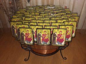 άγιος παΐσιος - παλαίωση εικόνας αγίου - χειροποίητες μπομπονιέρες - handmade bonbonniere - handicraftcyprus.com - όλα τα είδη χειροτεχνημάτων του εργαστηρίου μας. χειροποίητα δώρα, τάβλια με σκάλισμα και πυρογραφία, σκάκια σκαλιστά, ξύλινα ρολόγια με σκάλισμα, παιδικά κρεμμασταράκια με παιδικούς ήρωες, ξύλινες φιγούρες και σχήματα, σχέδιο με πυρογράφο σε νεροκολοκύθες, μπομπονιέρες βάφτισης, μπομπονιέρες γάμου γάμων, επιχειρηματικά δώρα, ξεχωριστά δώρα επιχειρήσεων, παλαίωση φωτογραφίας, μπαούλα σκαλιστά, κρεμμασταράκια τοίχου για κλειδιά, κρεμμαστάρια ρούχων σκαλιστά, σκαλιστές κορνίζες, χειροποίητοι καθρέφτες με σκάλισμα, εικόνες αγίων με σκάλισμα, παλαιωμένες εικόνες αγίων, διακοσμητικά είδη χειροποίητα, αξεσουάρ γραφείου, σχέδια σε ξύλο, ξυλογλυπτική, παλαίωση εικόνων, αγιογραφίες, πυρογραφία, χαλκογραφία, κορνίζες, καθρέφτες, χειροποίητα, βάφτιση, γάμος, επέτειος, Πάφος, Λευκωσία, Λεμεσός, Λάρνακα.