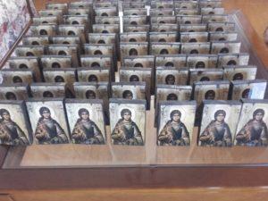 άγιος στέφανος - παλαίωση εικόνας αγίου - χειροποίητες μπομπονιέρες - handmade bonbonniere - handicraftcyprus.com - όλα τα είδη χειροτεχνημάτων του εργαστηρίου μας. χειροποίητα δώρα, τάβλια με σκάλισμα και πυρογραφία, σκάκια σκαλιστά, ξύλινα ρολόγια με σκάλισμα, παιδικά κρεμμασταράκια με παιδικούς ήρωες, ξύλινες φιγούρες και σχήματα, σχέδιο με πυρογράφο σε νεροκολοκύθες, μπομπονιέρες βάφτισης, μπομπονιέρες γάμου γάμων, επιχειρηματικά δώρα, ξεχωριστά δώρα επιχειρήσεων, παλαίωση φωτογραφίας, μπαούλα σκαλιστά, κρεμμασταράκια τοίχου για κλειδιά, κρεμμαστάρια ρούχων σκαλιστά, σκαλιστές κορνίζες, χειροποίητοι καθρέφτες με σκάλισμα, εικόνες αγίων με σκάλισμα, παλαιωμένες εικόνες αγίων, διακοσμητικά είδη χειροποίητα, αξεσουάρ γραφείου, σχέδια σε ξύλο, ξυλογλυπτική, παλαίωση εικόνων, αγιογραφίες, πυρογραφία, χαλκογραφία, κορνίζες, καθρέφτες, χειροποίητα, βάφτιση, γάμος, επέτειος, Πάφος, Λευκωσία, Λεμεσός, Λάρνακα.