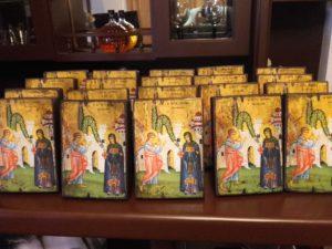 αγία ειρήνη - παλαίωση εικόνας αγίου - χειροποίητες μπομπονιέρες - handmade bonbonniere - handicraftcyprus.com - όλα τα είδη χειροτεχνημάτων του εργαστηρίου μας. χειροποίητα δώρα, τάβλια με σκάλισμα και πυρογραφία, σκάκια σκαλιστά, ξύλινα ρολόγια με σκάλισμα, παιδικά κρεμμασταράκια με παιδικούς ήρωες, ξύλινες φιγούρες και σχήματα, σχέδιο με πυρογράφο σε νεροκολοκύθες, μπομπονιέρες βάφτισης, μπομπονιέρες γάμου γάμων, επιχειρηματικά δώρα, ξεχωριστά δώρα επιχειρήσεων, παλαίωση φωτογραφίας, μπαούλα σκαλιστά, κρεμμασταράκια τοίχου για κλειδιά, κρεμμαστάρια ρούχων σκαλιστά, σκαλιστές κορνίζες, χειροποίητοι καθρέφτες με σκάλισμα, εικόνες αγίων με σκάλισμα, παλαιωμένες εικόνες αγίων, διακοσμητικά είδη χειροποίητα, αξεσουάρ γραφείου, σχέδια σε ξύλο, ξυλογλυπτική, παλαίωση εικόνων, αγιογραφίες, πυρογραφία, χαλκογραφία, κορνίζες, καθρέφτες, χειροποίητα, βάφτιση, γάμος, επέτειος, Πάφος, Λευκωσία, Λεμεσός, Λάρνακα.