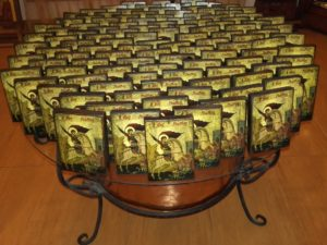 άης γιώρκης - παλαίωση εικόνας αγίου - χειροποίητες μπομπονιέρες - handmade bonbonniere - handicraftcyprus.com - όλα τα είδη χειροτεχνημάτων του εργαστηρίου μας. χειροποίητα δώρα, τάβλια με σκάλισμα και πυρογραφία, σκάκια σκαλιστά, ξύλινα ρολόγια με σκάλισμα, παιδικά κρεμμασταράκια με παιδικούς ήρωες, ξύλινες φιγούρες και σχήματα, σχέδιο με πυρογράφο σε νεροκολοκύθες, μπομπονιέρες βάφτισης, μπομπονιέρες γάμου γάμων, επιχειρηματικά δώρα, ξεχωριστά δώρα επιχειρήσεων, παλαίωση φωτογραφίας, μπαούλα σκαλιστά, κρεμμασταράκια τοίχου για κλειδιά, κρεμμαστάρια ρούχων σκαλιστά, σκαλιστές κορνίζες, χειροποίητοι καθρέφτες με σκάλισμα, εικόνες αγίων με σκάλισμα, παλαιωμένες εικόνες αγίων, διακοσμητικά είδη χειροποίητα, αξεσουάρ γραφείου, σχέδια σε ξύλο, ξυλογλυπτική, παλαίωση εικόνων, αγιογραφίες, πυρογραφία, χαλκογραφία, κορνίζες, καθρέφτες, χειροποίητα, βάφτιση, γάμος, επέτειος, Πάφος, Λευκωσία, Λεμεσός, Λάρνακα.