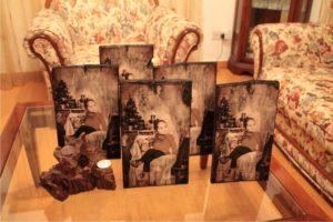 παλαίωση φωτογραφίας σε ξύλο - aged photography on wood - handicraftcyprus.com - όλα τα είδη χειροτεχνημάτων του εργαστηρίου μας. χειροποίητα δώρα, τάβλια με σκάλισμα και πυρογραφία, σκάκια σκαλιστά, ξύλινα ρολόγια με σκάλισμα, παιδικά κρεμμασταράκια με παιδικούς ήρωες, ξύλινες φιγούρες και σχήματα, σχέδιο με πυρογράφο σε νεροκολοκύθες, μπομπονιέρες βάφτισης, μπομπονιέρες γάμου γάμων, επιχειρηματικά δώρα, ξεχωριστά δώρα επιχειρήσεων, παλαίωση φωτογραφίας, μπαούλα σκαλιστά, κρεμμασταράκια τοίχου για κλειδιά, κρεμμαστάρια ρούχων σκαλιστά, σκαλιστές κορνίζες, χειροποίητοι καθρέφτες με σκάλισμα, εικόνες αγίων με σκάλισμα, παλαιωμένες εικόνες αγίων, διακοσμητικά είδη χειροποίητα, αξεσουάρ γραφείου, σχέδια σε ξύλο, ξυλογλυπτική, παλαίωση εικόνων, αγιογραφίες, πυρογραφία, χαλκογραφία, κορνίζες, καθρέφτες, χειροποίητα, βάφτιση, γάμος, επέτειος, Πάφος, Λευκωσία, Λεμεσός, Λάρνακα.