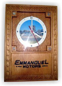 emmanouel motors - ξύλινο ρολόι τοίχου σκαλιστό με πυρογραφία - handicraftcyprus.com - όλα τα είδη χειροτεχνημάτων του εργαστηρίου μας. χειροποίητα δώρα, τάβλια με σκάλισμα και πυρογραφία, σκάκια σκαλιστά, ξύλινα ρολόγια με σκάλισμα, παιδικά κρεμμασταράκια με παιδικούς ήρωες, ξύλινες φιγούρες και σχήματα, σχέδιο με πυρογράφο σε νεροκολοκύθες, μπομπονιέρες βάφτισης, μπομπονιέρες γάμου γάμων, επιχειρηματικά δώρα, ξεχωριστά δώρα επιχειρήσεων, παλαίωση φωτογραφίας, μπαούλα σκαλιστά, κρεμμασταράκια τοίχου για κλειδιά, κρεμμαστάρια ρούχων σκαλιστά, σκαλιστές κορνίζες, χειροποίητοι καθρέφτες με σκάλισμα, εικόνες αγίων με σκάλισμα, παλαιωμένες εικόνες αγίων, διακοσμητικά είδη χειροποίητα, αξεσουάρ γραφείου, σχέδια σε ξύλο, ξυλογλυπτική, παλαίωση εικόνων, αγιογραφίες, πυρογραφία, χαλκογραφία, κορνίζες, καθρέφτες, χειροποίητα, βάφτιση, γάμος, επέτειος, Πάφος, Λευκωσία, Λεμεσός, Λάρνακα.