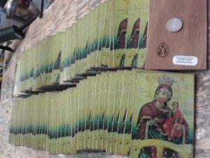 μαγνητάκι εικονίτσα - handicraftcyprus.com - όλα τα είδη χειροτεχνημάτων του εργαστηρίου μας. χειροποίητα δώρα, τάβλια με σκάλισμα και πυρογραφία, σκάκια σκαλιστά, ξύλινα ρολόγια με σκάλισμα, παιδικά κρεμμασταράκια με παιδικούς ήρωες, ξύλινες φιγούρες και σχήματα, σχέδιο με πυρογράφο σε νεροκολοκύθες, μπομπονιέρες βάφτισης, μπομπονιέρες γάμου γάμων, επιχειρηματικά δώρα, ξεχωριστά δώρα επιχειρήσεων, παλαίωση φωτογραφίας, μπαούλα σκαλιστά, κρεμμασταράκια τοίχου για κλειδιά, κρεμμαστάρια ρούχων σκαλιστά, σκαλιστές κορνίζες, χειροποίητοι καθρέφτες με σκάλισμα, εικόνες αγίων με σκάλισμα, παλαιωμένες εικόνες αγίων, διακοσμητικά είδη χειροποίητα, αξεσουάρ γραφείου, σχέδια σε ξύλο, ξυλογλυπτική, παλαίωση εικόνων, αγιογραφίες, πυρογραφία, χαλκογραφία, κορνίζες, καθρέφτες, χειροποίητα, βάφτιση, γάμος, επέτειος, Πάφος, Λευκωσία, Λεμεσός, Λάρνακα.