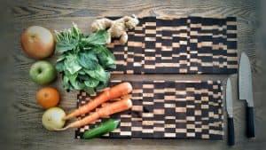 σανίδες κοπής φρούτων λαχανικών - handmade endgrain cutting board for food and vegetables - handicraftcyprus.com - όλα τα είδη χειροτεχνημάτων του εργαστηρίου μας. χειροποίητα δώρα, τάβλια με σκάλισμα και πυρογραφία, σκάκια σκαλιστά, ξύλινα ρολόγια με σκάλισμα, παιδικά κρεμμασταράκια με παιδικούς ήρωες, ξύλινες φιγούρες και σχήματα, σχέδιο με πυρογράφο σε νεροκολοκύθες, μπομπονιέρες βάφτισης, μπομπονιέρες γάμου γάμων, επιχειρηματικά δώρα, ξεχωριστά δώρα επιχειρήσεων, παλαίωση φωτογραφίας, μπαούλα σκαλιστά, κρεμμασταράκια τοίχου για κλειδιά, κρεμμαστάρια ρούχων σκαλιστά, σκαλιστές κορνίζες, χειροποίητοι καθρέφτες με σκάλισμα, εικόνες αγίων με σκάλισμα, παλαιωμένες εικόνες αγίων, διακοσμητικά είδη χειροποίητα, αξεσουάρ γραφείου, σχέδια σε ξύλο, ξυλογλυπτική, παλαίωση εικόνων, αγιογραφίες, πυρογραφία, χαλκογραφία, κορνίζες, σανίδες κοπής φρούτων λαχανικών, handmade endgrain cutting board, καθρέφτες, χειροποίητα, βάφτιση, γάμος, επέτειος, Πάφος, Λευκωσία, Λεμεσός, Λάρνακα.