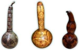 νεροκολοκύθες με μοτίβα πυρογραφίας - διακοσμητικά και διάφορα χειροποίητα είδη - decorative and various handmade crafts - handicraftcyprus.com - όλα τα είδη χειροτεχνημάτων του εργαστηρίου μας. χειροποίητα δώρα, τάβλια με σκάλισμα και πυρογραφία, σκάκια σκαλιστά, ξύλινα ρολόγια με σκάλισμα, παιδικά κρεμμασταράκια με παιδικούς ήρωες, ξύλινες φιγούρες και σχήματα, σχέδιο με πυρογράφο σε νεροκολοκύθες, μπομπονιέρες βάφτισης, μπομπονιέρες γάμου γάμων, επιχειρηματικά δώρα, ξεχωριστά δώρα επιχειρήσεων, παλαίωση φωτογραφίας, μπαούλα σκαλιστά, κρεμμασταράκια τοίχου για κλειδιά, κρεμμαστάρια ρούχων σκαλιστά, σκαλιστές κορνίζες, χειροποίητοι καθρέφτες με σκάλισμα, εικόνες αγίων με σκάλισμα, παλαιωμένες εικόνες αγίων, διακοσμητικά είδη χειροποίητα, αξεσουάρ γραφείου, σχέδια σε ξύλο, ξυλογλυπτική, παλαίωση εικόνων, αγιογραφίες, πυρογραφία, χαλκογραφία, κορνίζες, καθρέφτες, χειροποίητα, βάφτιση, γάμος, επέτειος, Πάφος, Λευκωσία, Λεμεσός, Λάρνακα.