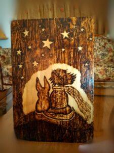 o mikros prigkipas sxedio me pyrografia - handicraftcyprus.com - όλα τα είδη χειροτεχνημάτων του εργαστηρίου μας. χειροποίητα δώρα, τάβλια με σκάλισμα και πυρογραφία, σκάκια σκαλιστά, ξύλινα ρολόγια με σκάλισμα, παιδικά κρεμμασταράκια με παιδικούς ήρωες, ξύλινες φιγούρες και σχήματα, σχέδιο με πυρογράφο σε νεροκολοκύθες, μπομπονιέρες βάφτισης, μπομπονιέρες γάμου γάμων, επιχειρηματικά δώρα, ξεχωριστά δώρα επιχειρήσεων, παλαίωση φωτογραφίας, μπαούλα σκαλιστά, κρεμμασταράκια τοίχου για κλειδιά, κρεμμαστάρια ρούχων σκαλιστά, σκαλιστές κορνίζες, χειροποίητοι καθρέφτες με σκάλισμα, εικόνες αγίων με σκάλισμα, παλαιωμένες εικόνες αγίων, διακοσμητικά είδη χειροποίητα, αξεσουάρ γραφείου, σχέδια σε ξύλο, ξυλογλυπτική, παλαίωση εικόνων, αγιογραφίες, πυρογραφία, χαλκογραφία, κορνίζες, σανίδες κοπής φρούτων λαχανικών, handmade endgrain cutting board, καθρέφτες, χειροποίητα, βάφτιση, γάμος, επέτειος, Πάφος, Λευκωσία, Λεμεσός, Λάρνακα