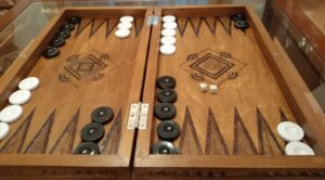 tavli xeiropoiito kypros monadiko doro handmade backgammon board cyprus unique gift pyrografia pyrographos unique gift