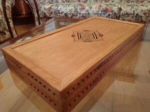 tavli xeiropoiito kypros monadiko doro handmade backgammon board cyprus unique gift pyrografia pyrographos unique gift (a) (1)